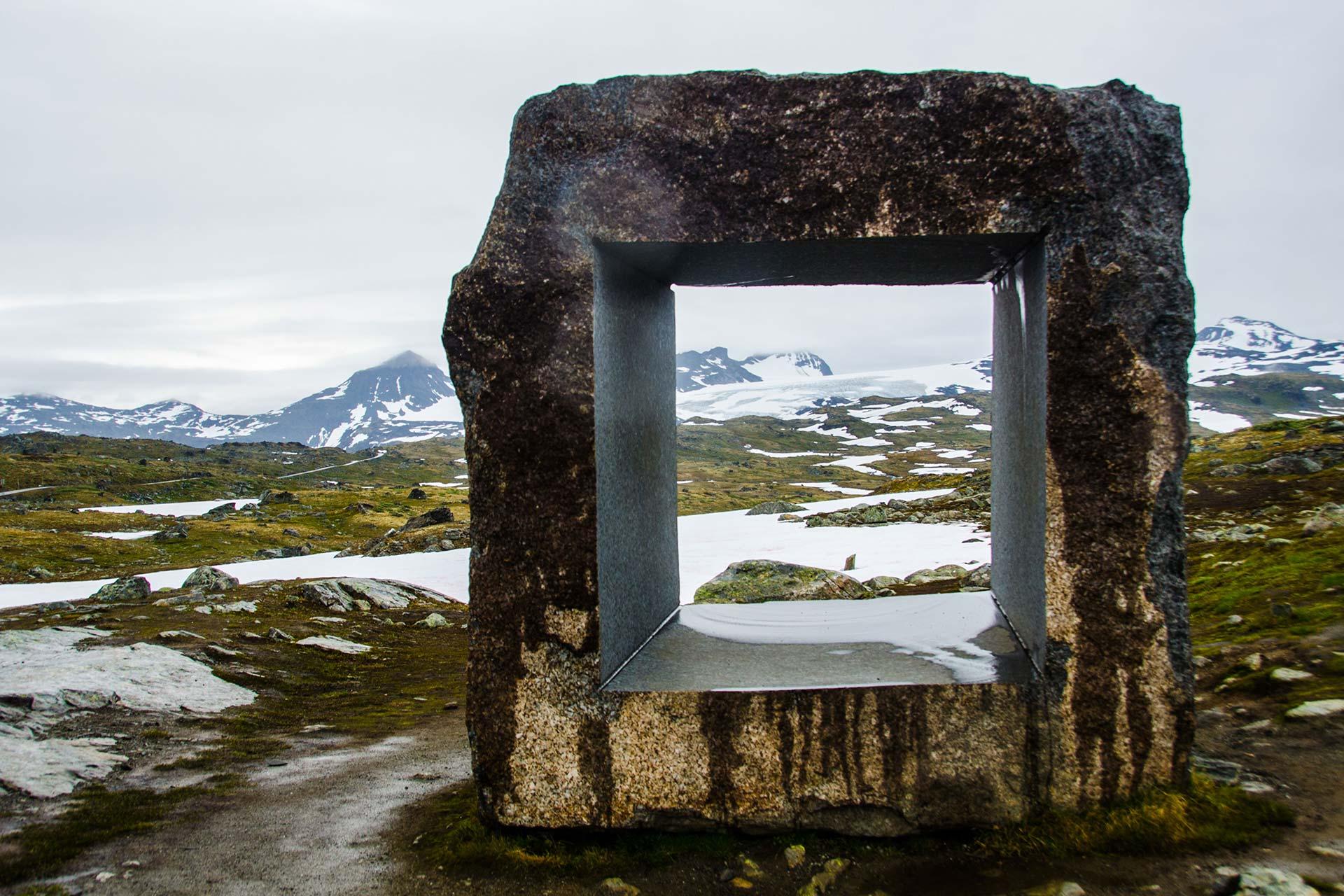 Skandinavien - Fjell im Hochland mit Figur