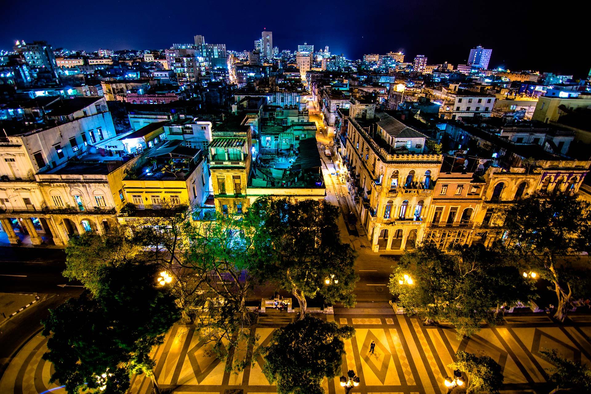 Nachtfotografie -Paseo del Prado, Havanna, Kuba