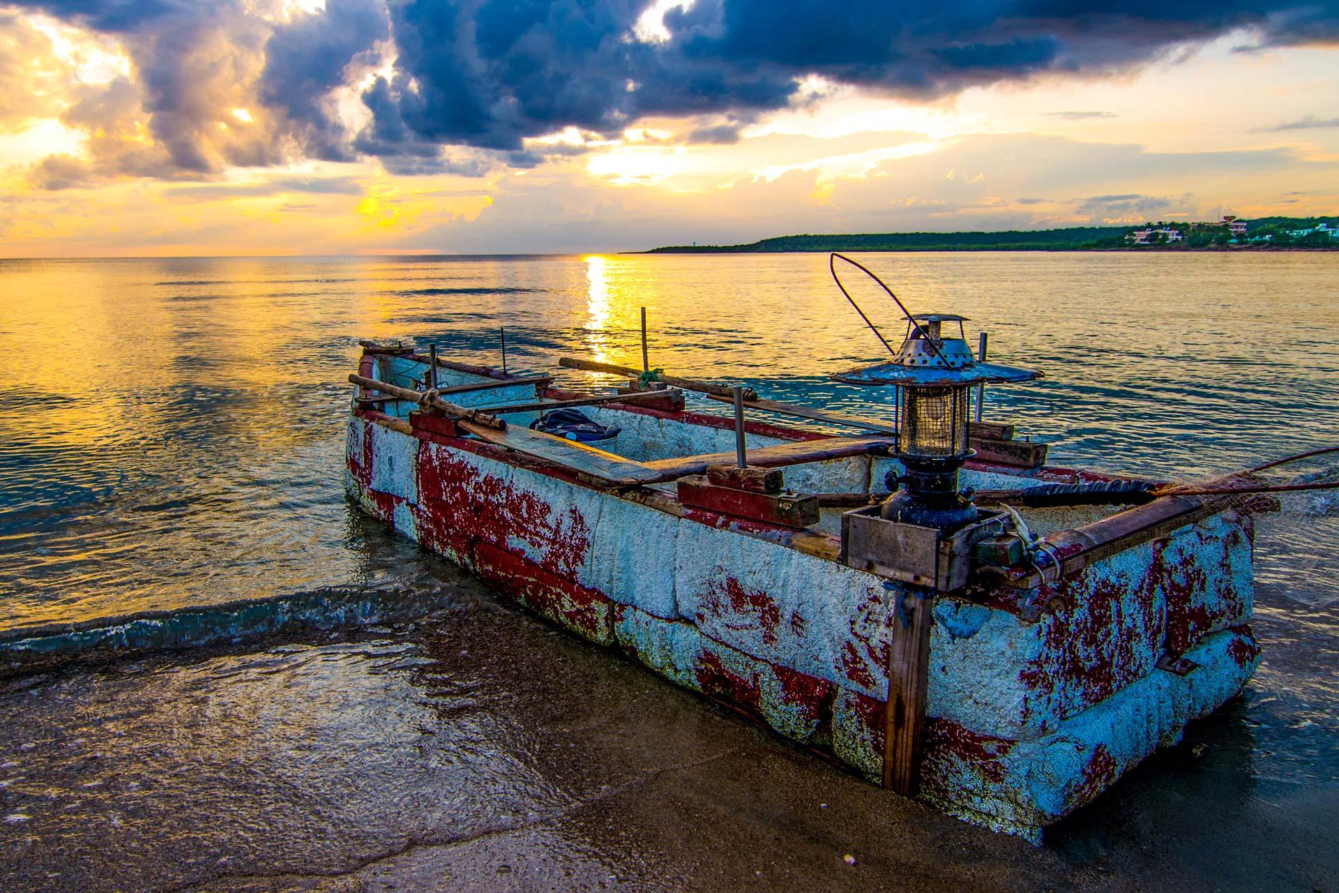 Landschaftsfotografie - Boot am Strand