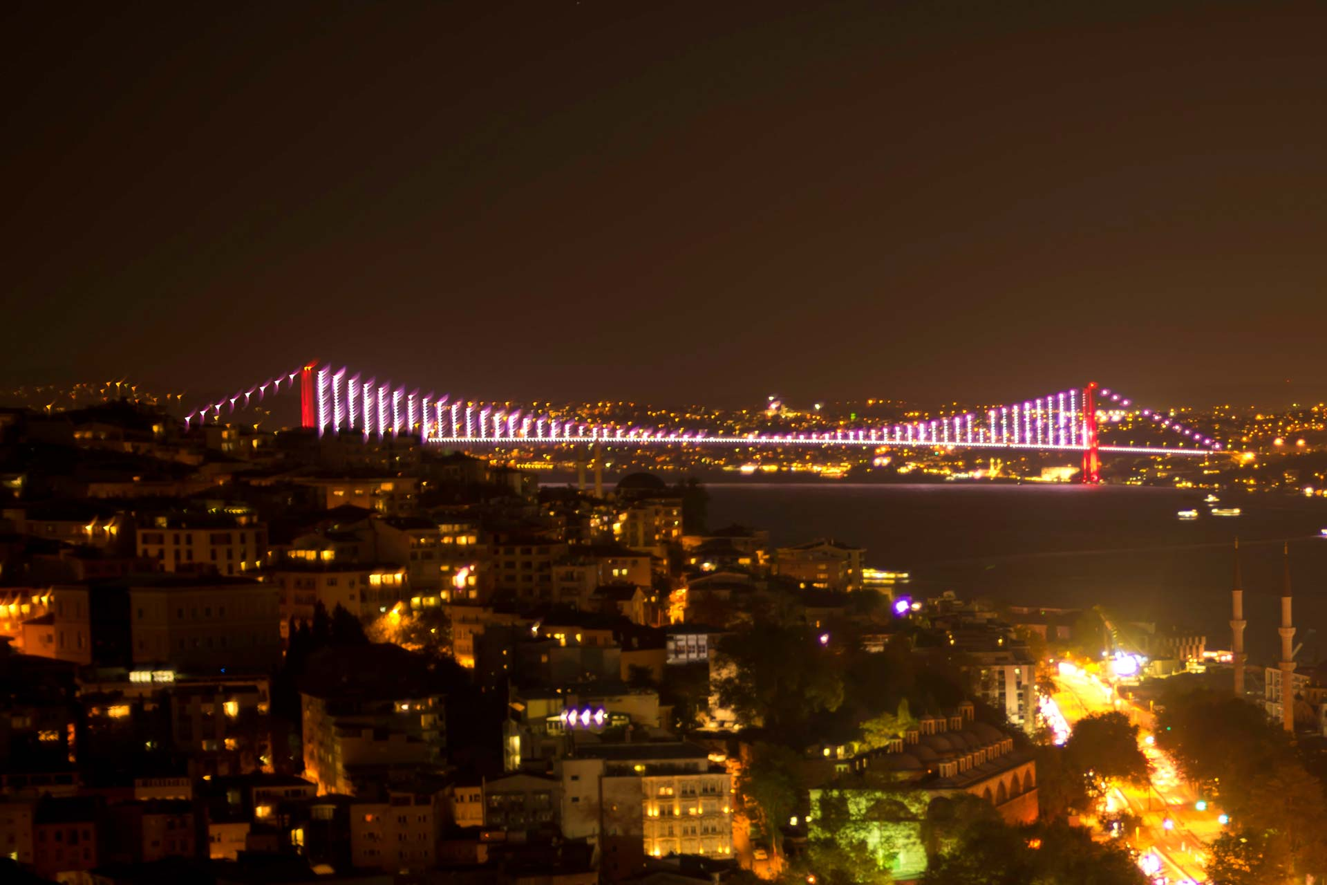 Landschaftsfotografie - Brücke bei Nacht